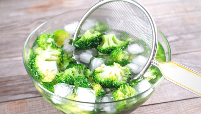 Frozen vegetable treats for dogs